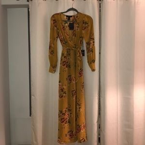 NWT Forever 21 XS Yellow floral maxi dress